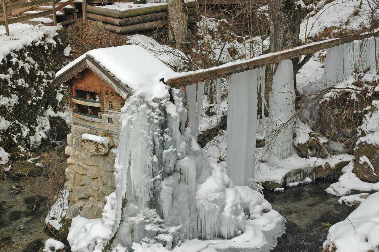 Myrafälle im Winter 2012
